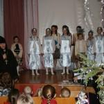 1. Матушка Илария поздравляет школьников Вымнянской СШ с Рождеством Христовым