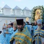 208. Торжественный крестный ход вокруг собора с иконой Божией Матери Одигитрия Смоленская