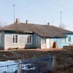 10-Притчтовый дом, постороенный иереем Константином Ждановым в Шарковщине. Фото 2011 года