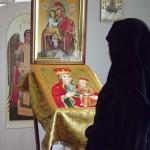 13. Перед Тадулинской иконой Пресвятой Богородицы (на аналое)