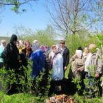 Светлая седмица. Гости из Бычихи и Витебска. Матушка Илария знакомит с историей обители.