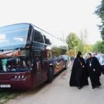Такого автобуса паломников Слобода еще не видела))